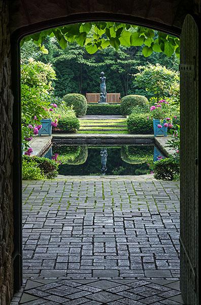 Stan Hywet Hall & Gardens Book – 100th Anniversary Edition